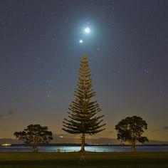 Venus-moon-Jupiter-comet-7-19-2015-N Tauranga NZ