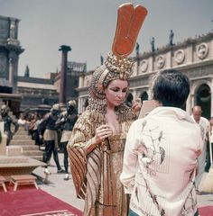 """Actress Elizabeth Taylor appears on the set of the movie """"Cleopatra,"""" in Rome, May (AP Photo/Girolamo DiMajo) Elizabeth Taylor Death, Queen Elizabeth, Michael Wilding, Betty Ford, Eddie Fisher, Debbie Reynolds, Cinema, Hollywood Boulevard, Violet Eyes"""