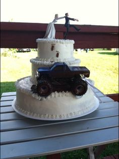 wedding cake with truck and mud mud tire 12 quot chocolate cake with cookies amp 26977