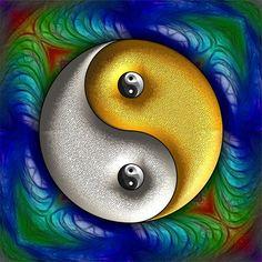 Pôster Yin Yang - Simbologia: Yin Yang é um dos princípios da filosofia chinesa, são duas energias opostas que se complementam, é o símbolo da dualidade existente em todo o universo.  Ying é o princípio passivo e representa o feminino, a noite, a escuridão e o frio. Ele fica do lado esquerdo da esfera, na cor preta.  Yang é o princípio ativo e representa o masculino, o dia, a luminosidade e o quente. Está representado pelo lado direito da esfera, na cor branca.