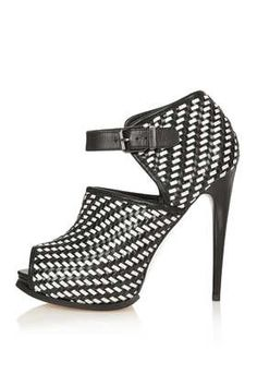 GEISHA Woven Shoe Boots by: Topshop