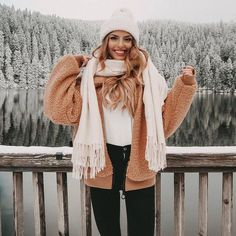 out these 27 super cute winter coats for inspo this season! Source by poshclassymomCheck out these 27 super cute winter coats for inspo this season! Source by poshclassymom Best Casual Chic Winter Outfits For Women Winter Mode Outfits, Cozy Winter Outfits, Winter Fashion Outfits, Winter Dresses, Look Fashion, Autumn Fashion, Fashion Styles, Outfit Winter, Prep Fashion