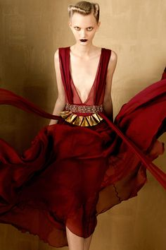 BOLD & GOLD by Oskar Cecere for Vogue Italia