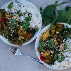 Tofu & Veggie Satay Stir-fry w/ coconut rice #vegan