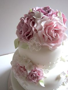 pink rose pearl wedding cake