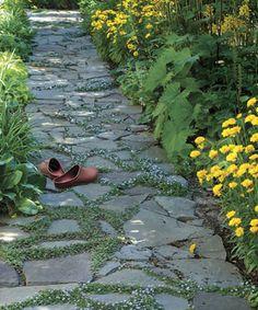 Tuinbestrating met een natuurlijke uitstraling.