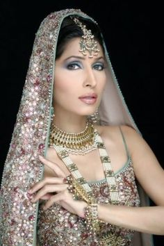 Indian and Pakistani Fashion Elegant Bridal Jewelry Sets, fashmax.com forever introduced latest fashion accessories According to the time mainly fresh fashions now