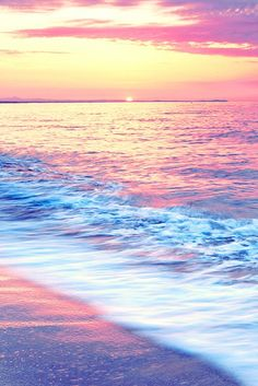 Magical Sunset on the Ocean Beautiful Sunset, Beautiful Beaches, Beautiful World, Beach Pictures, Nature Pictures, Cool Pictures, Photos Black And White, The Ocean, Photos Bff