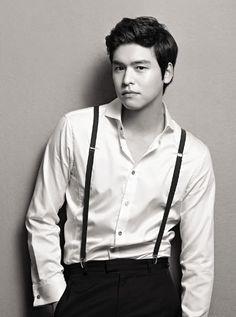 Looking sleek- Lee Jang Woo