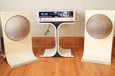 Vintage Hi Fi Mid-Century Space Age Air Suspension Stereo Speakers Stand Sphere