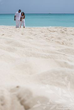 Anna and Spencer Photography , Atlanta Destination Engagement Photographers . Engagement on Seven Mile Beach on Grand Cayman Island .