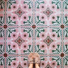Wegdromen bij de mooiste vloeren met tegels - Roomed