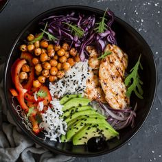 Grilled chicken and rice buddha bowl with spicy chickpeas recipe Good Healthy Recipes, Easy Healthy Dinners, Healthy Dinner Recipes, Healthy Snacks, Healthy Eating, Spicy Chickpeas Recipe, Chickpea Recipes, Food Bowl, Easy Cooking