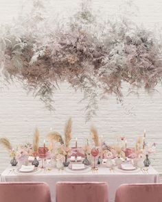 Dyed flower are our JAM! I mean, when you can get chills from hot pink babys breath and earth toned Floral Wedding, Wedding Colors, Wedding Flowers, Green Wedding, Autumn Wedding, Dye Flowers, Flower Installation, Deco Boheme, Deco Floral