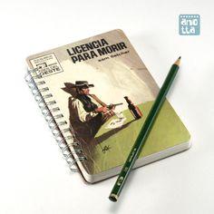 Libreta hecha a mano reciclando la portada de una vieja novela del oeste.