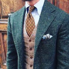 2017 Mens Green Donegal Tweed Suit Custom Made Brown Mens Tweed Suit Tailored Single Breasted Men Suit Notch Lapel(Jacket Pant Vest) - Herren- und Damenmode - Kleidung Mens Tweed Suit, Tweed Suits, Tweed Vest, Suit Vest, Tweed Groom, Harris Tweed Suit, Brown Tweed Suit, Brown Vest, Plaid Vest