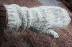 Another Pinner says: My favorite mitten pattern. I've made a few pairs and love them! The long wrist section is perfect.