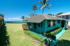 An Oceanfront Cottage above Mama's Beach in Kuau on the North Shore of Maui