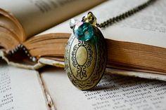 This locket is gooorgeous!!