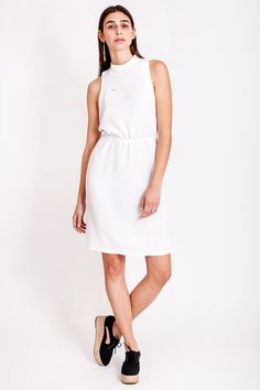 White comfy dress by Dott. Just hanging out in the sunny weather, walking with your best friend, having a laugh in the cozy outdoor café and enjoying life, feeling that it doesn't get any better than this? For such an occassion we recommend a comfortable dress, yet totally fashionable. This white dress from the collection Otherwise is ideal for these fabulous days.   €135.00 REPIN TO YOUR OWN INSPIRATION BOARD Comfy Dresses, Summer Dresses, Outdoor Cafe, Have A Laugh, Piece Of Clothing, Slow Fashion, Your Best Friend, White Dress, Feminine