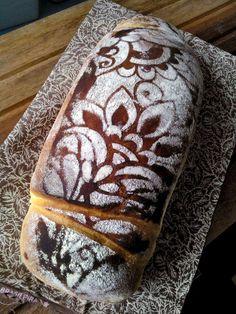 Celi Anizelli - Pães Artesanais - Curitiba-PR Bread Art, Bread And Pastries, Bread N Butter, Italian Recipes, Clever, Baking, The Originals, Face, Artisan Bread