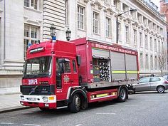 Planes, Cool Fire, Fire Fire, Firefighter Pictures, France 3, Fire Equipment, World On Fire, Rescue Vehicles, Volvo Trucks