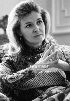 Portrait of actress Joanne Woodward November 1971 News Photo Hollywood Stars, Classic Hollywood, Old Hollywood, Hollywood Actresses, Paul Newman Joanne Woodward, Cinema Actress, Iconic Women, Film Director, Celebs