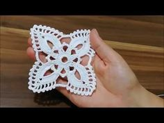 Crochet Motif, Crochet Doilies, Crochet Patterns, Cross Stitch Borders, Crochet Videos, Hand Embroidery, Diy And Crafts, Projects To Try, Knitting