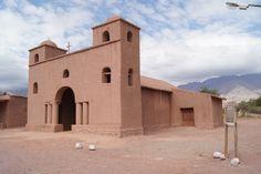 """""""""""RUTA DE ADOBE"""""""" Iglesia Nuestra Señora De Andacollo, en Fiambala, provincia de Catamarca, Argentina"""