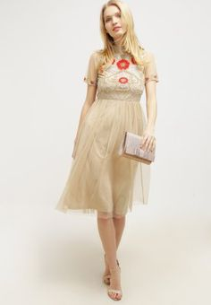 Mit diesem traumhaften Kleid kann die nächste Party kommen. Frock and Frill Cocktailkleid / festliches Kleid - nude für 144,95 € (25.03.16) versandkostenfrei bei Zalando bestellen.