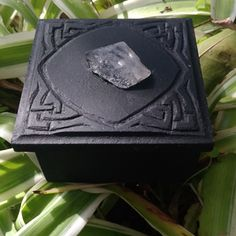 Trinket boxes for your Altar, sacred spaces and home. Various sizes and shapes, we can also customize a box to your requirements. Trinket Boxes, Altar, Gallery, Shop, Books, Libros, Roof Rack, Book, Book Illustrations