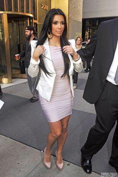 kim_kardashian_blush_pink_knee_length_sheath_dress_celebrity_inspired_dress_2.jpg (683×1024)
