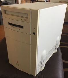 Macintosh Quadra 840AV [M9020] 64MB RAM 1MB VRAM -- WORKING! Owner's Manual/Docs