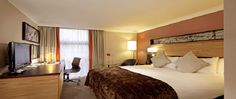 Hotel - Corus Hotel Hyde Park overlooks the park and is only a short distance from the shops on Oxford Street and Paddington train station, where you can catch the Heathrow Express.