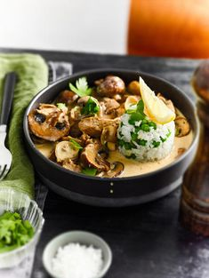 Thai Red Curry, Ethnic Recipes, Food, Food Recipes, Meal, Essen, Hoods, Meals, Eten