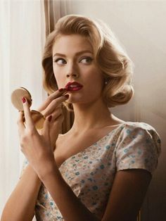 Love the vintage finger wave.
