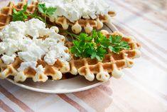 Suroviny na Syrové wafle: 250 g rastlinné maslo, 250 ml pochuťková (kyslá) smotana, 5 ks vajec, 100g maizéna (kukuricny, al. zemiakový škrob), Waffles, Breakfast, Food, Morning Coffee, Essen, Waffle, Meals, Yemek, Eten