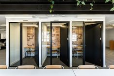 ThirdWay Interiors has realized the office design for non-profit organization, Fairtrade, located in London, England. The Fairtrade Foundation's former Corporate Interiors, Office Interiors, Startup Office, Office Plan, Shared Office, Workspace Design, Cool Office, Cool Cafe, Co Working
