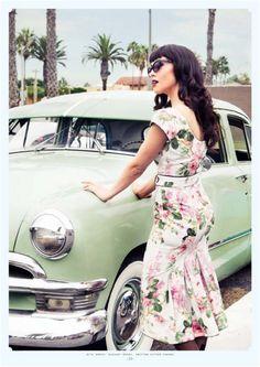 Pin-Up girl & Vintage Car. <3