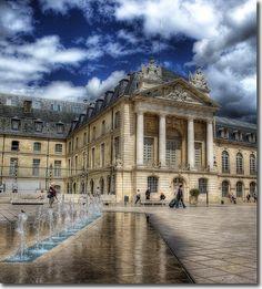 Dijon - Place de la Liberation | par Martyn Starkey
