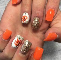 32 inspiradoras idéias de design de arte de unhas - Nail Art and Tattoo - Thanksgiving Nail Designs, Thanksgiving Nails, Color For Nails, Nail Colors, Pedicure Colors, Pedicure Ideas, Winter Nail Art, Winter Nails, Fall Nail Art Autumn