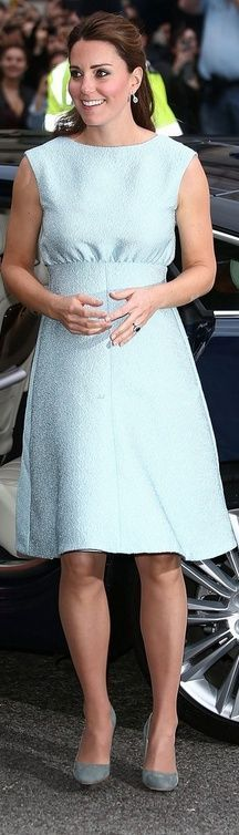 Who made Kate Middleton's blue dress and suede pumps that she wore in London on April 24, 2013? Dress – Emilia Wickstead  Shoes – Rupert Sanderson