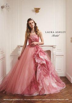 Laura Ashley Люкс | планування, виробництво і оптовий продаж весільного плаття в Кіото | Co., Ltd. Грейс Tartan Wedding Dress, Green Wedding Dresses, Bridal Dresses, Bridesmaid Dresses, Prom Dresses, Ball Gowns Prom, Ball Gown Dresses, Pretty Dresses, Beautiful Dresses