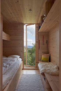 Cabin Design, Cabin Interior Design, Modern Cabin Interior, Small Modern Cabin, Modern Cabins, Wooden Cottage, Casas Containers, Cabin Interiors, Tiny House Cabin