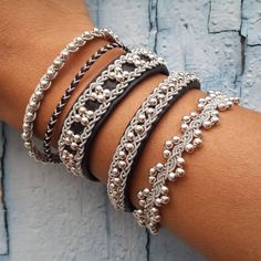 Addicted to Black ? Reindeer leather, pewter thread and sterling silver pearls! Beaded Wrap Bracelets, Braided Bracelets, Handmade Bracelets, Handmade Jewelry, Jewelry Making Beads, Wire Jewelry, Jewelry Crafts, Beaded Jewelry, Viking Bracelet