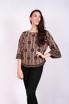 Gaia Clothe Line Poncho Blouse | Pakaian Rajut Corak Etnis | www.gaiastores.com |