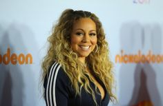Mariah Carey flaunts it all in black and white top during Kids' Choice Awards [PHOTO]