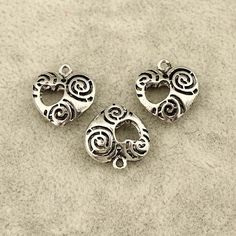 Zinc alloy pendantheart shape bracelet by WangDesignJewelry