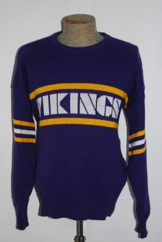 Look at this awesome ass Vikings sweater!