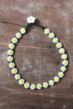 Vintage handmade glass beaded Daisy Chain Spring Choker Necklace